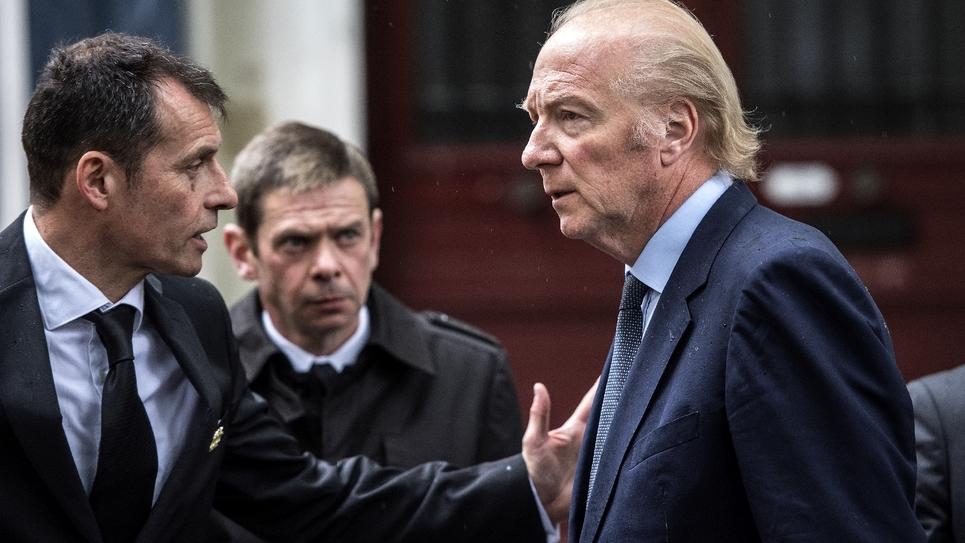 L'ancien ministre de l'Intérieur Brice Hortefeux (D) à Paris, le 2 mai 2019