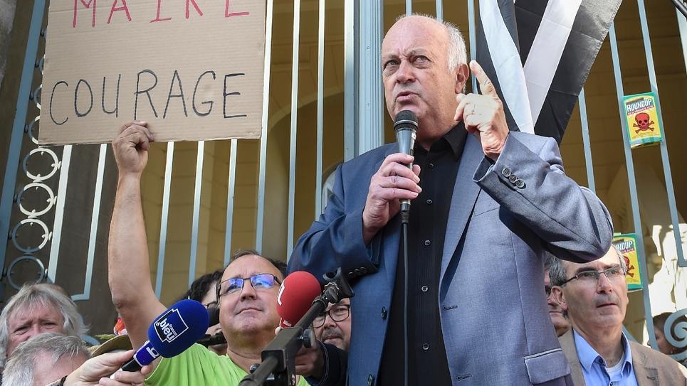 Le maire de Langouet Daniel Cueff devant le tribunal administratif de Rennes, le 22 août 2019
