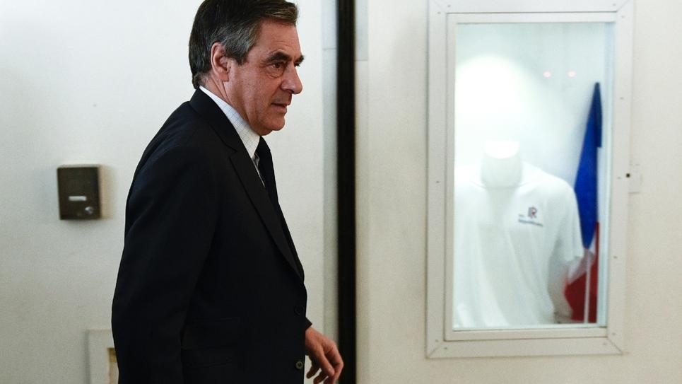 Le candidat défait de la droite à la présidentielle François Fillon arrive au siège du parti Les Républicains à Paris le 24 avril 2017