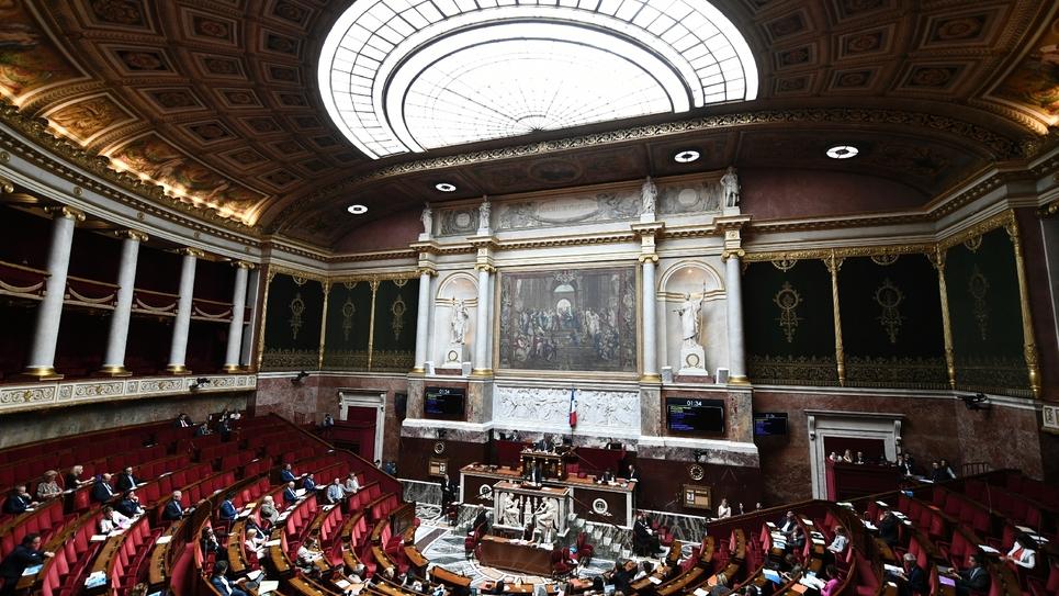 L'Assemblée nationale à Paris. Le Parlement a adoptéjeudi, par un ultime vote de l'Assemblée, le projet de loi de règlement et d'approbation des comptes de 2018, après un baroud d'honneur des députés LFI