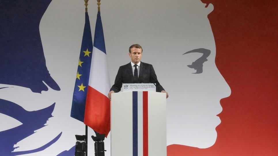 Hommage rendu le 8 octobre 209 par Emmanuel Macron aux fonctionnaires tués à la Préfecture de police de Paris