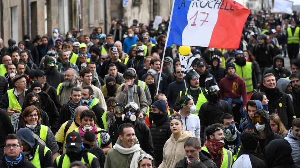 """Des manifestants """"gilets jaunes"""", le 2 mars 2019 à La Rochelle"""