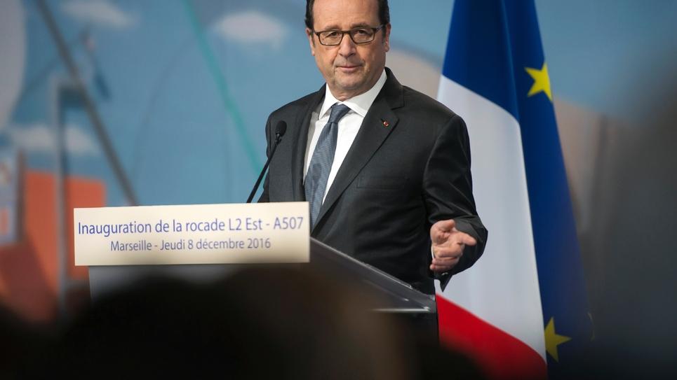 François Hollande à Marseille pour l'inauguration de la rocade autoroutière L2/A507, le 8 décembre 2016