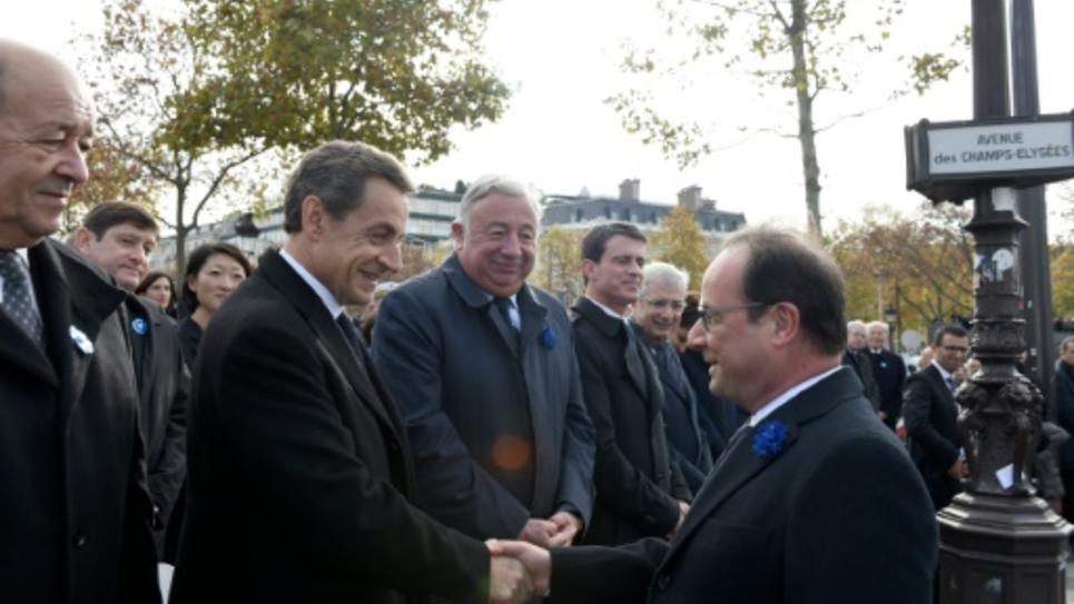 11 novembre  François Hollande préside les cérémonies, salue Nicolas Sarkozy c4e48ce2caa