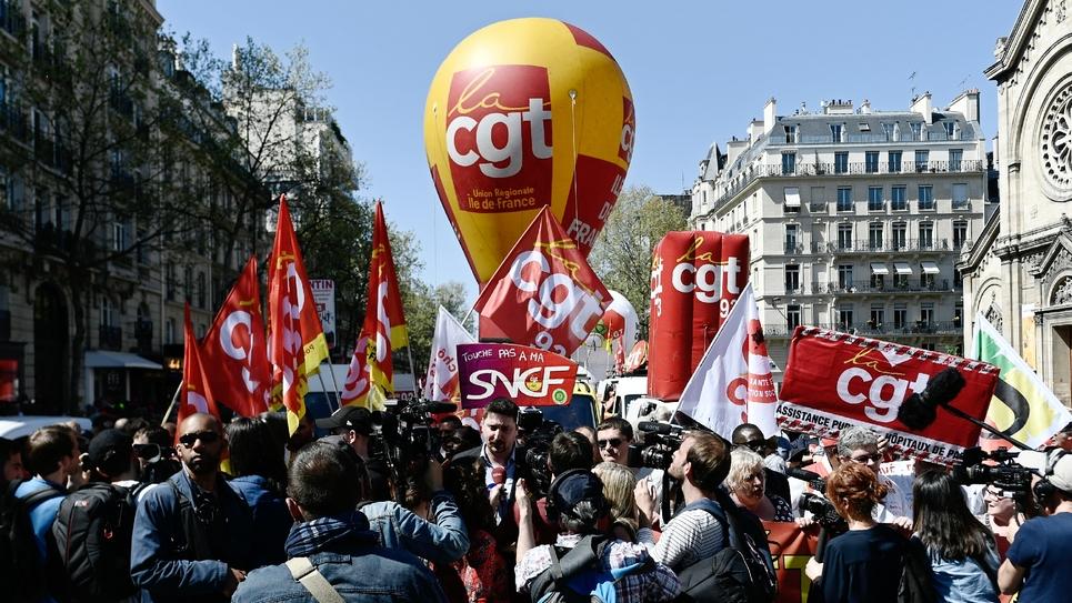 Cortège de la CGT au départ d'une manifestation contre la politique du gouvernement le 19 avril 2018 à Paris
