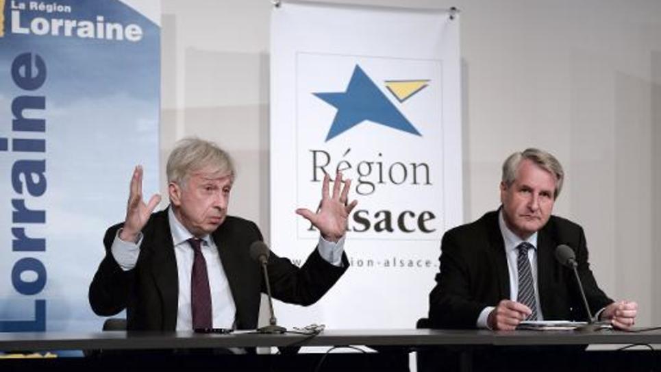 Jean-Pierre Masseret (G), président de la région Lorraine, et Philippe Richert, président de la région Alsace, le 6 juin 2014 à Wingen-sur-Moder