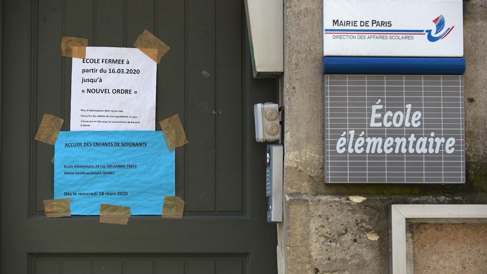 Une école élémentaire fermée, le 16 avril 2020 à Paris
