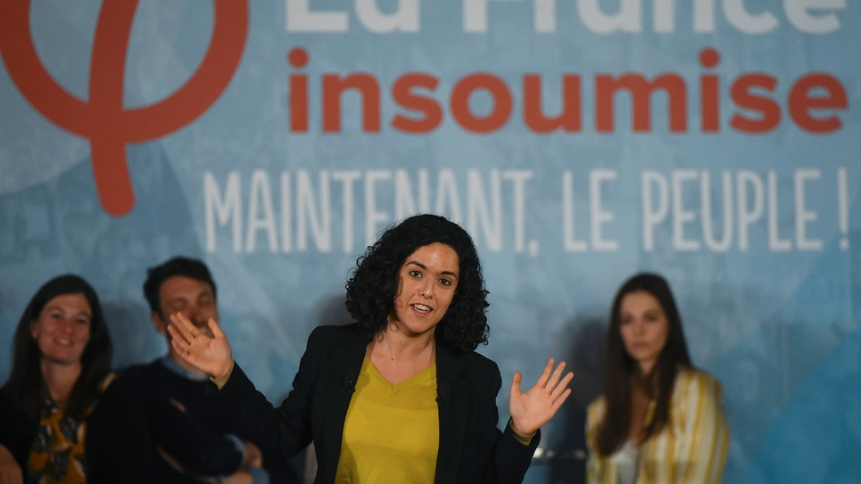 Manon Aubry, tête de liste de la France Insoumise (LFI) aux élections européennes, en meeting à Nîmes le 5 avril 2019