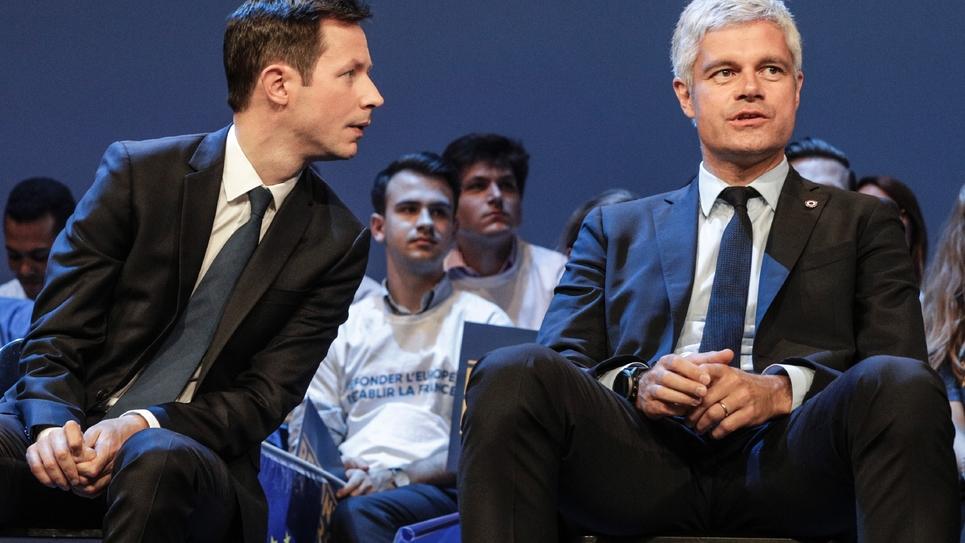 La tête de liste LR aux Européennes, François-Xavier Bellamy (g), et le président des Républicains Laurent Wauquiez, lors d'un meeting de campagne à Paris, le 15 mai 2019