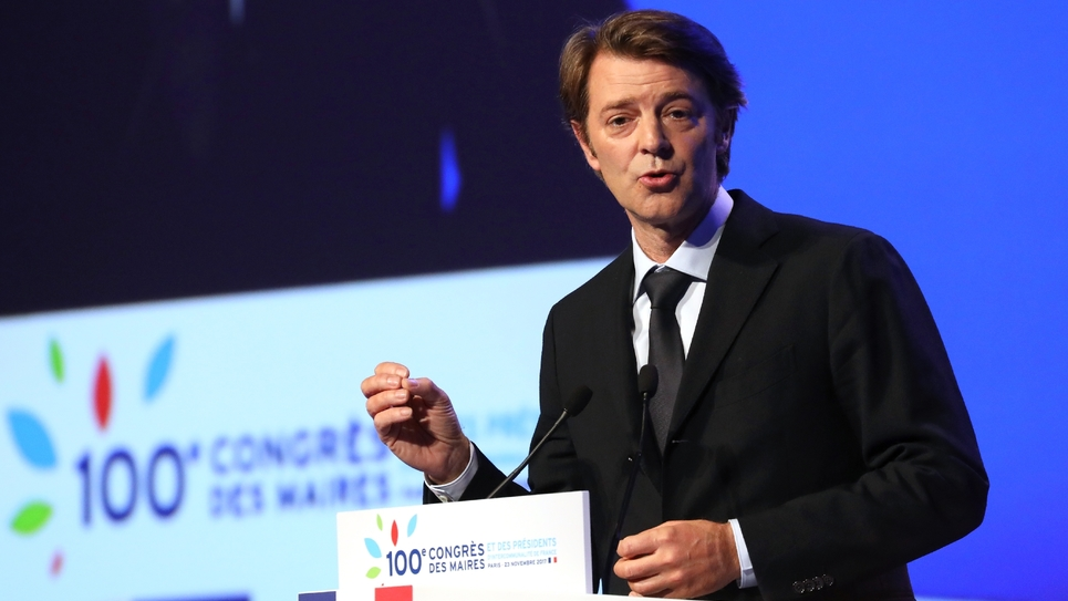 Le maire de Troyes et président de l'Association des maires de France, le 23 novembre 2017 à Paris