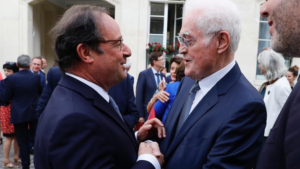 """François Hollande et Lionel Jospin se retrouvent pour un """"pot amical"""" au Sénat, le 17 juilllet 2019"""