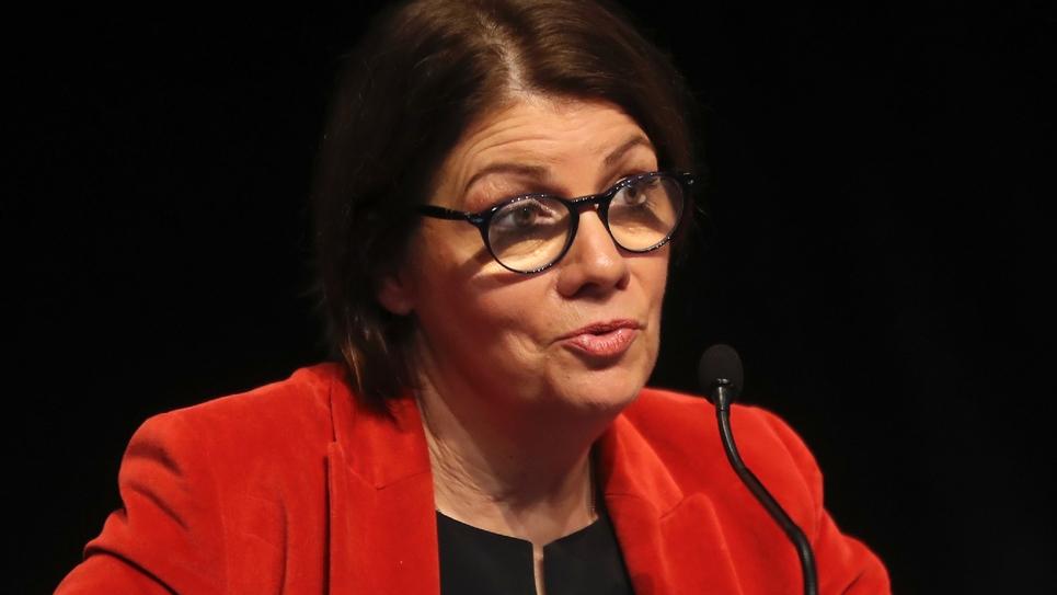 La maire de Morlaix (Finistère) Agnès Le Brun s'exprimant au congrès de l'Association des maires de France (AMF). Paris, 21 novembre 2017.