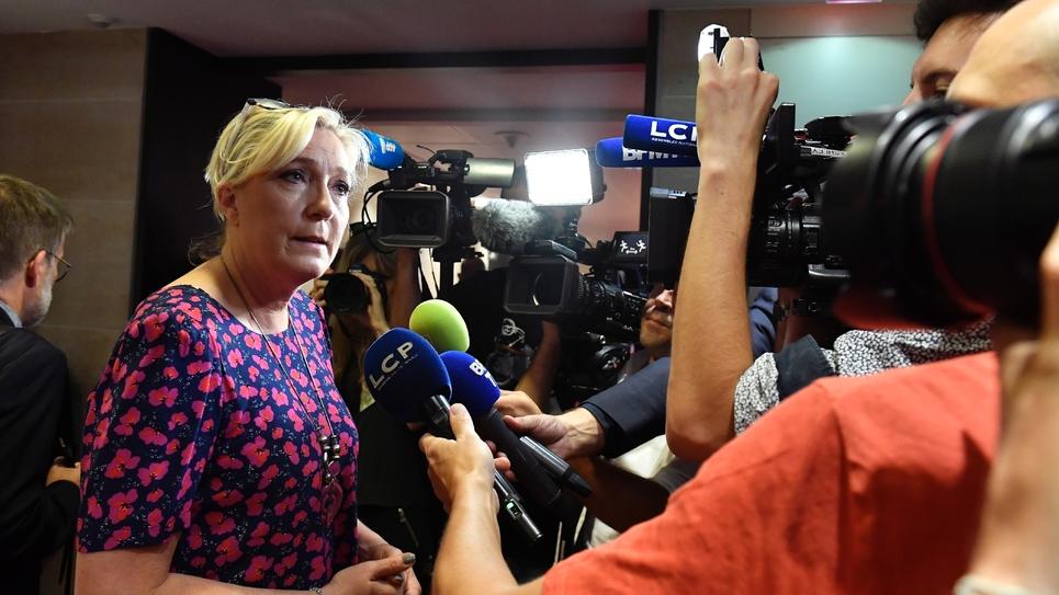 La présidente du Rassemblement national Marine Le Pen à la sortie d'une des auditions de la commission d'enquête de l'Assemblée sur l'affaire Benalla le 25 juillet 2018 à Paris