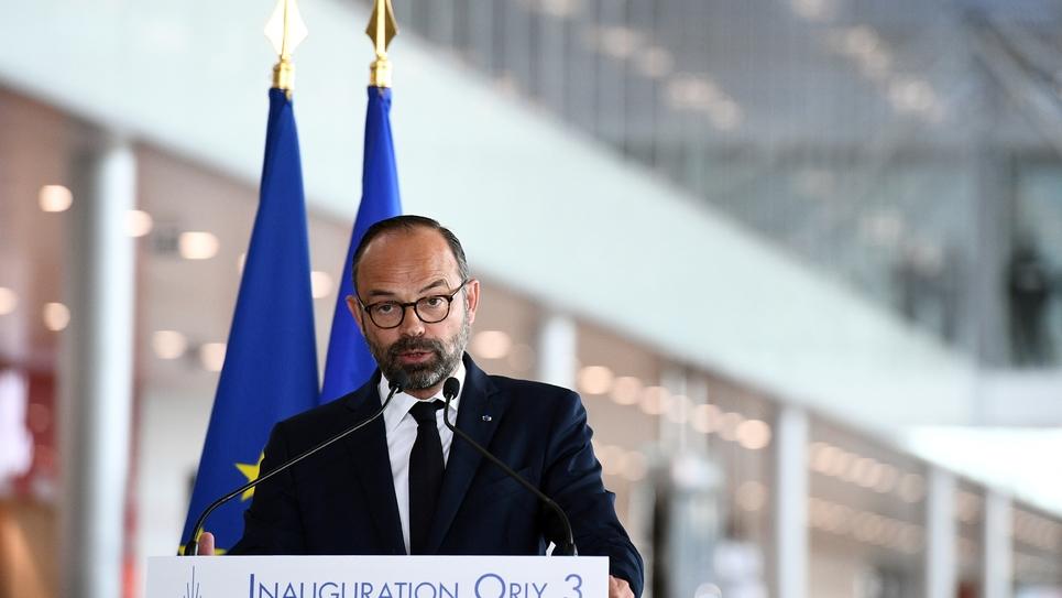 Le Premier ministre Edouard Philippe prononce un discours lors de l'inauguration à Orly du nouveau bâtiment fusionnant les ex-terminaux Ouest et Sud en une aérogare unique, le 18 avril 2019