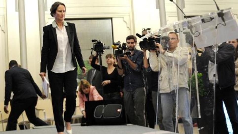 La ministre de l'Environnement et de l'Energie Ségolène Royal arrive à une conférence de presse sur la transition énergétique à Paris, le 18 juin 2014