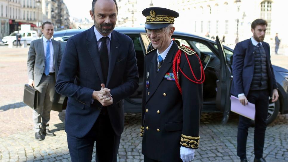 Edouard Philippe et le nouveau préfet de police de Paris, Didier Lallement, à Paris le 21 mars 2019
