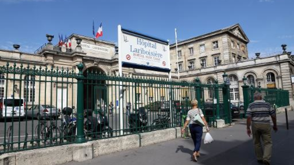 L'entrée de l'hôpital Lariboisière à Paris le 23 août 2013