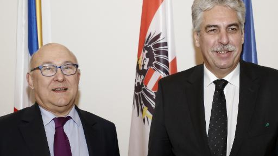 Le ministre des Finances français Michel Sapin et son homologue autrichien Hans Jörg Schelling, à Vienne le 26 février 2015