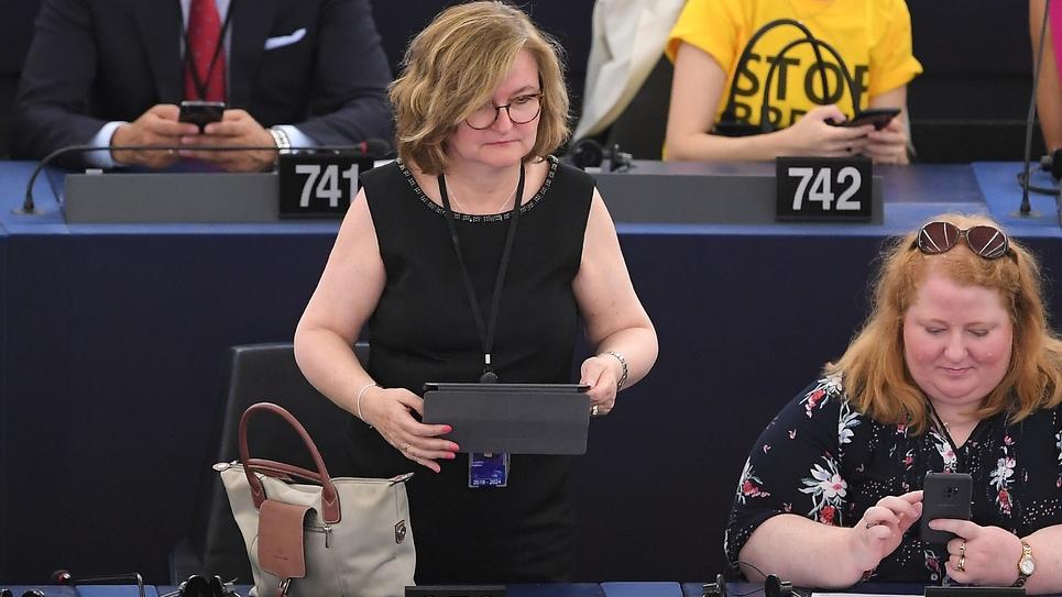 Nathalie Loiseau (C) arrive au Parlement européen, le 2 juillet 2019 à Strasbourg