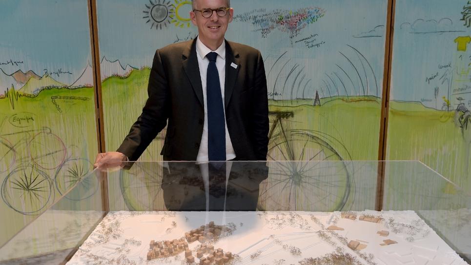 Nicolas Ferrand, directeur général exécutif de SLIDEO? la société de livraison des  de l'Autorité de livraison des ouvrages olympiques, présente le projet du village des médias des Jeux olympiques de 2024 et du nouveau quartier de Seine-Saint-Denis, au