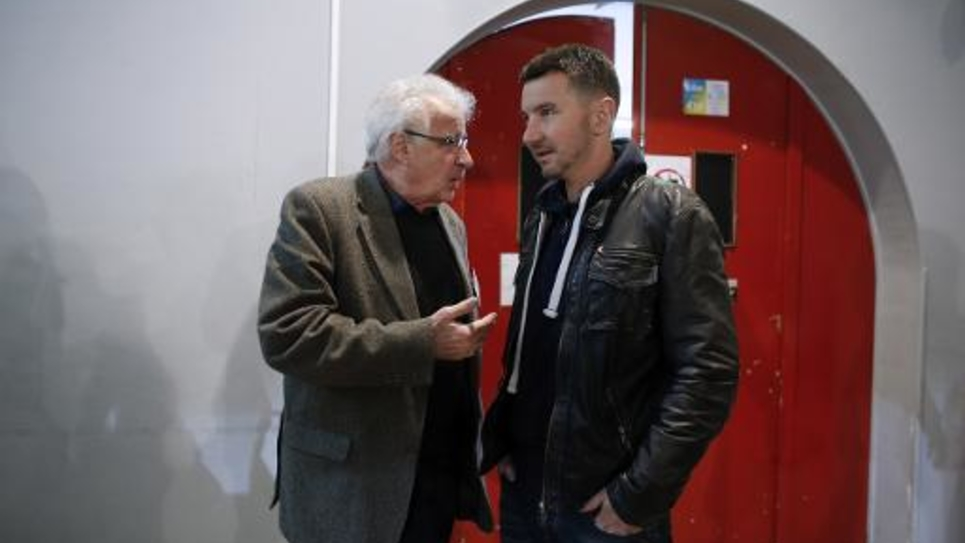 Alain Krivine (droite) et Olivier Besancenot au congrès du NPA à Saint-Denis le  30 janvier 2015
