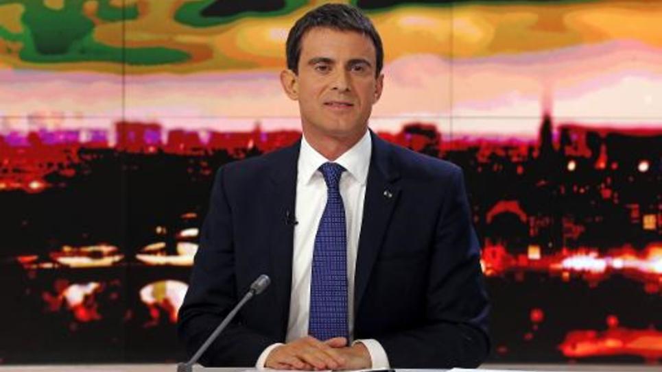 Le Premier ministre Manuel Valls sur la plateau du 20h de France 2, le 7 décembre 2014, à Paris