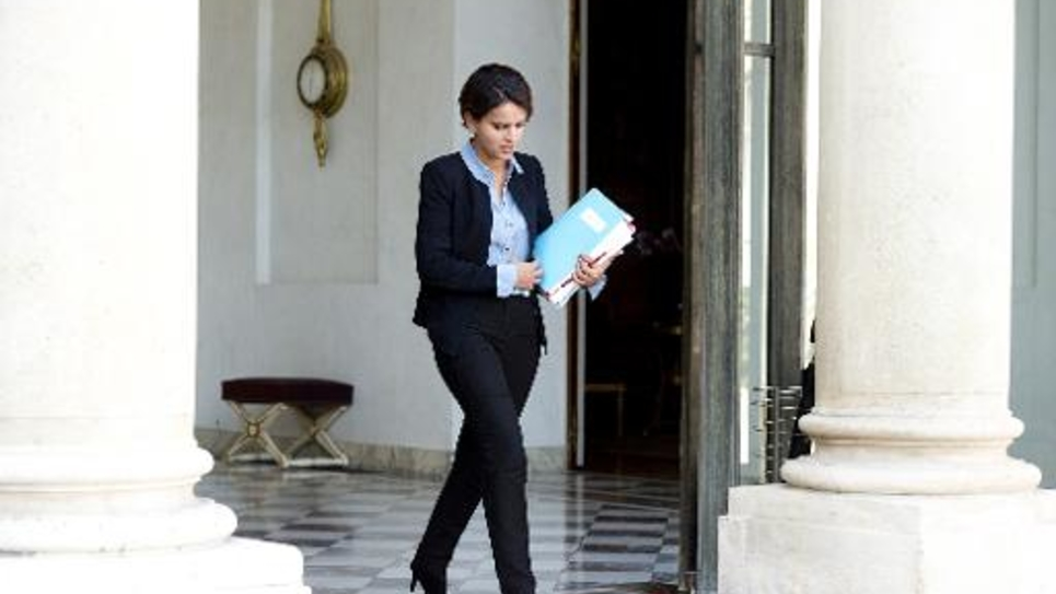 La ministre de l'Education Najat Vallaud-Belkacem, à la sortie du Conseil des ministres le 1er octobre 2014 à l'Elysée à Paris