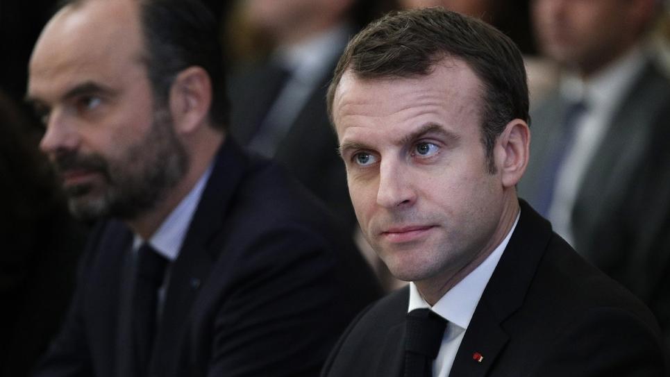 Le président Emmanuel Macron (d) et le Premier ministre Edouard Philippe à l'Elysée à Paris le 10 décembre 2018