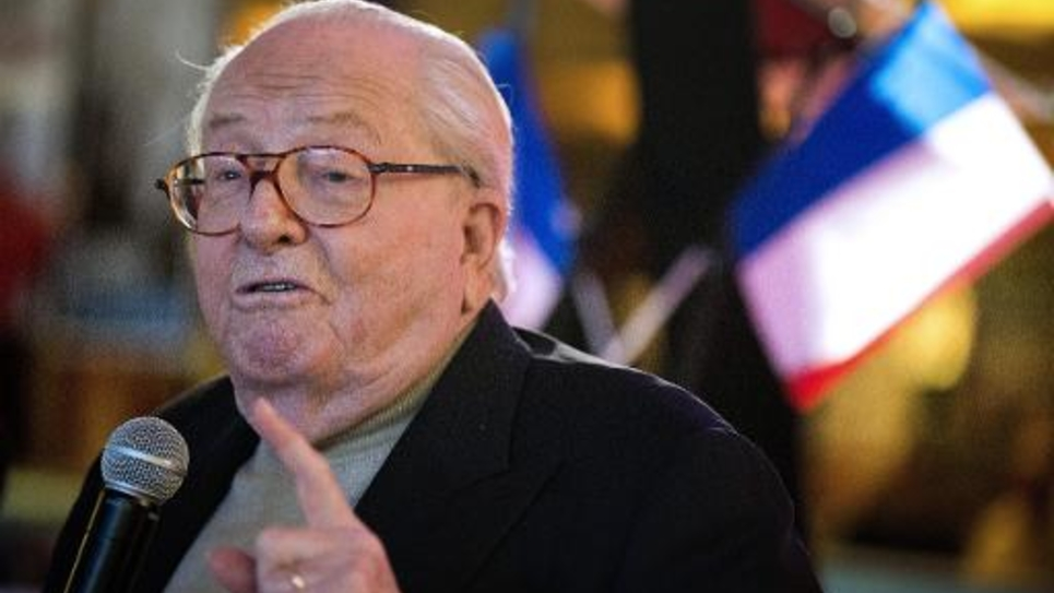 Le président d'honneur du FN Jean-Marie Le Pen le 17 janvier 2015 à Aubigny