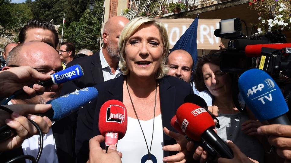 Marine Le Pen lors d'une visite à Châteaudouble, dans le Var, le 12 septembre 2018