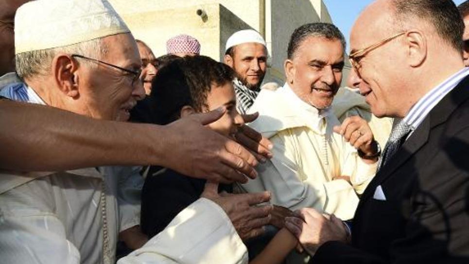 Bernard Cazeneuve entouré de musulmans le 4 octobre 2014 à Carpentras