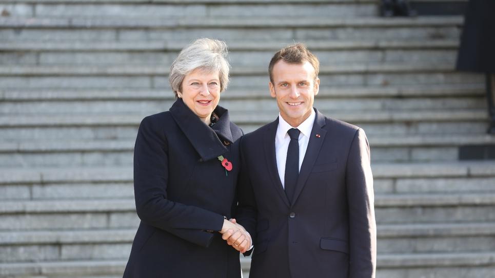 Theresa May et Emmanuel Macron réunis lors des commémorations de la première guerre mondiale en novembre 2018 dans la Somme