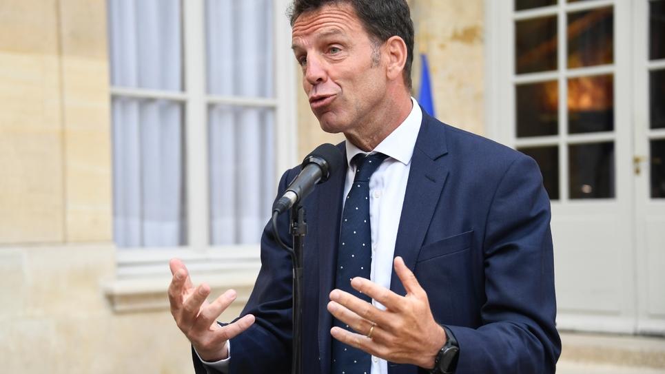 Le président du Medef Geoffroy Roux de Bézieux à sa sortie d'un entretien avec le Premier ministre Edouard Philippe, le 30 août 2018 à Paris