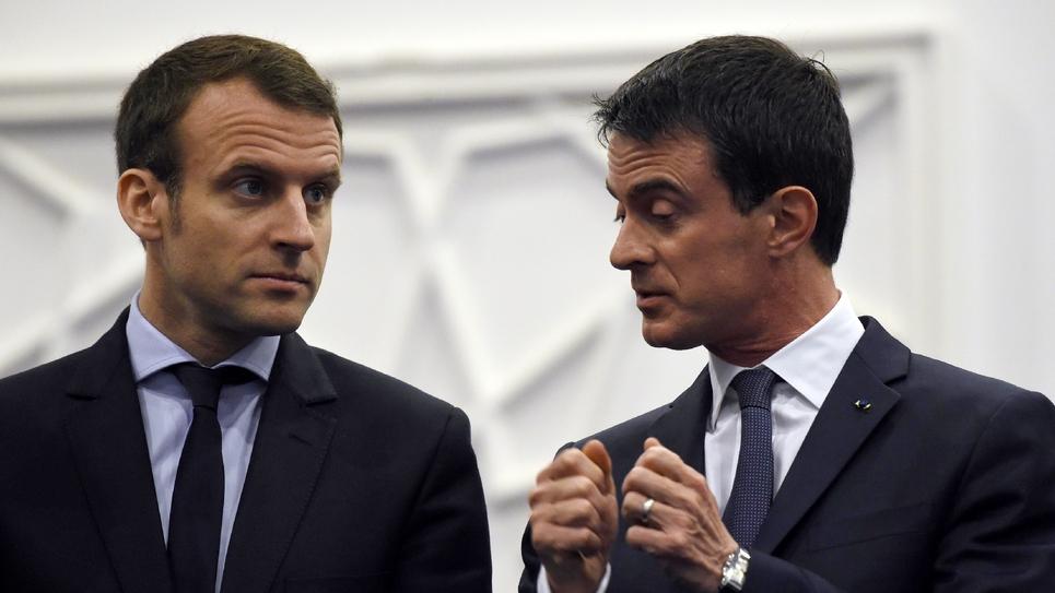 Emmanuel Macron et Manuel Valls le 10 avril 2016 à Alger