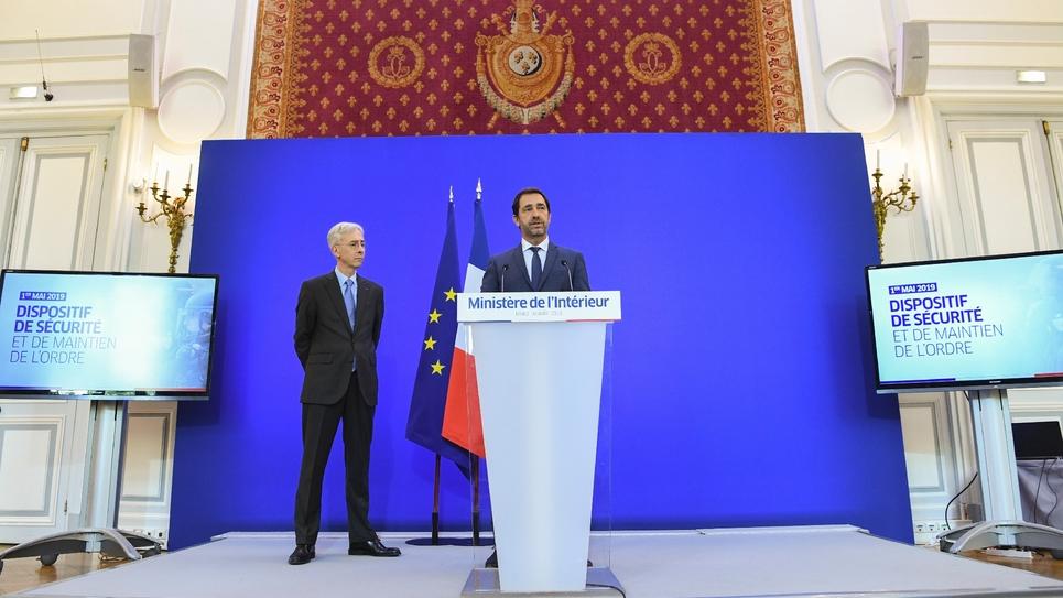 Le ministre de l'Intérieur Christophe Castaner et le préfet de police de Paris Didier Lallement, lors d'une conférence de presse, le 30 avril 2019 à Paris
