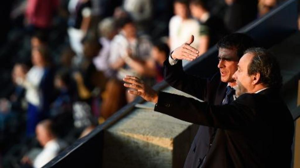 Le Premier ministre Manuel Valls et Michel Platini le 6 juin 2015 lors de la finale de Ligue des Champions à Berlin entre la Juventus de Turin et le FC Barcelone