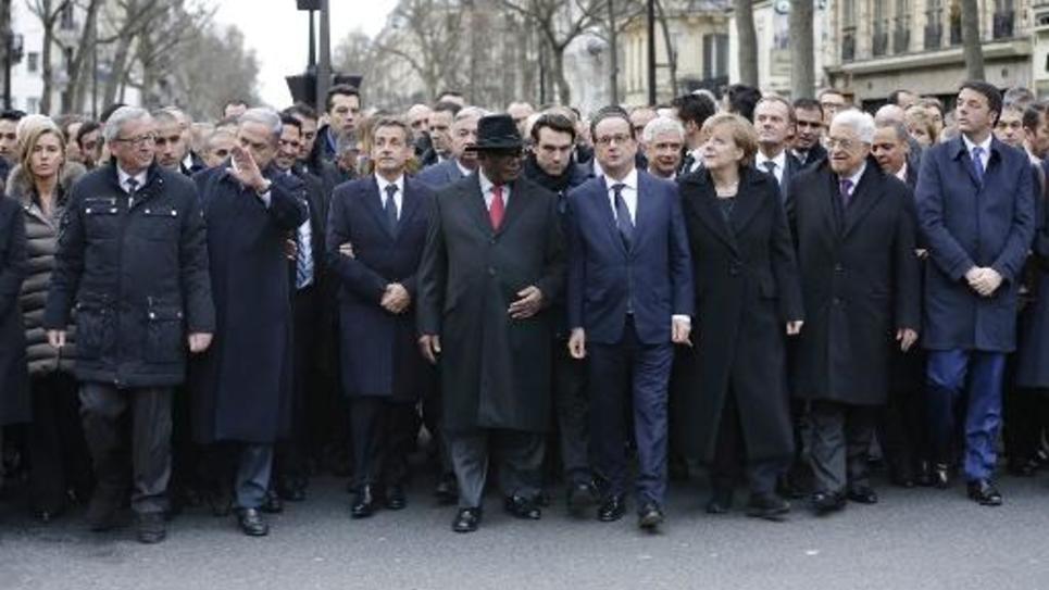 François Hollande entouré de dirigeants du monde entier lors de la marche républicaine le 11 janvier  2015 à Paris