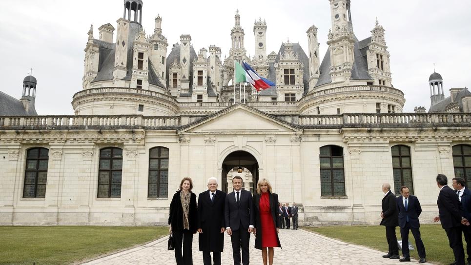 Brigitte Macron, Emmanuel Macron, Sergio Mattarella et sa fille Laura Mattarella, devant le château de Chambord dans le Loir-et-Cher le 2 mai 2019