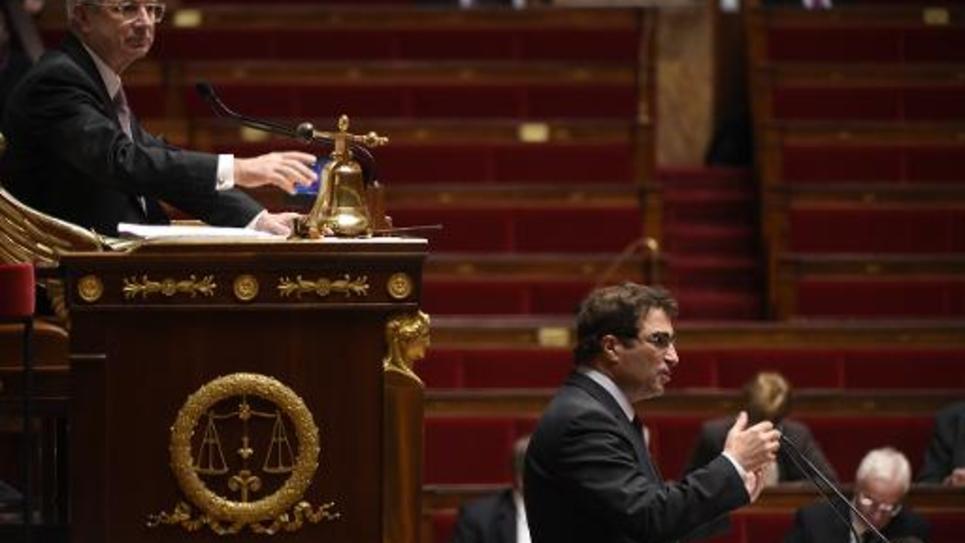 Le chef de file des députés UMP Christian Jacob s'exprime à l'Assemblée nationale, sous les yeux de Claude Bartolone, en ouverture du débat sur la motion de censure du gouvernement, le 19 février 2015