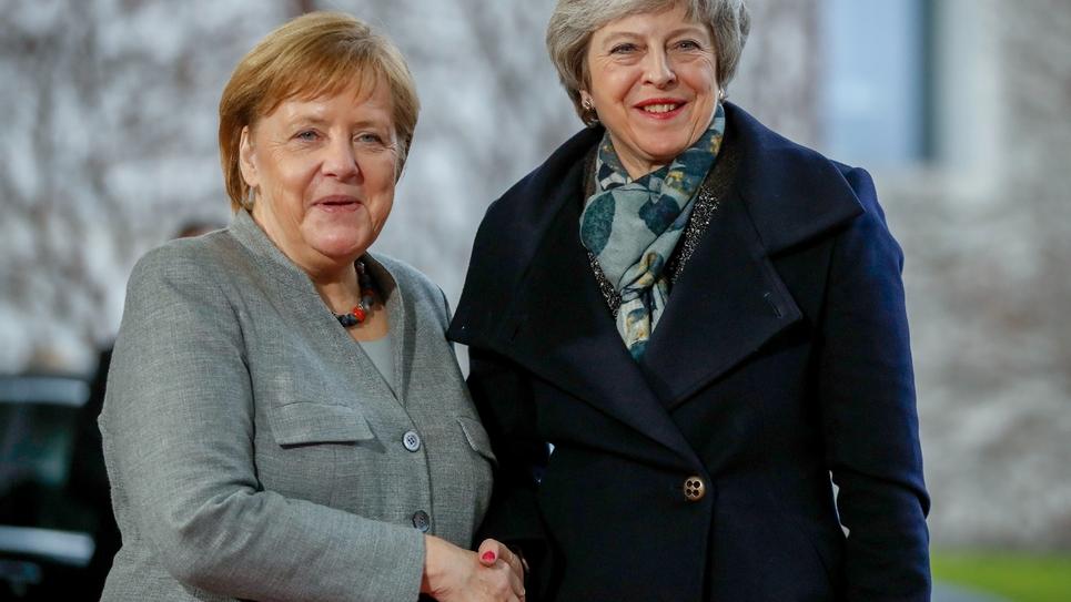 La chancelière allemande Angela Merkel et la Première ministre britannique Theresa May (d), le 11 décembre 2018 à Berlin