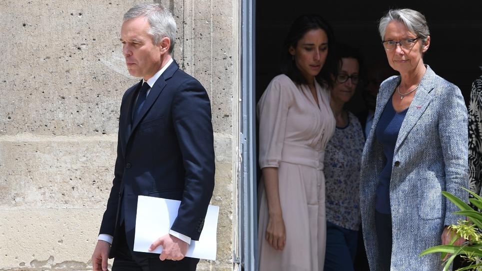 François de Rugy et Elisabeth Borne lors de la cérémonie de passation de pouvoirs, le 17 juillet 2019 à Paris