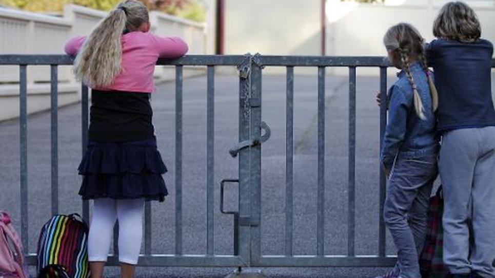 Le tribunal administratif de Marseille suspend les délibérations des conseils municipaux de Fos-sur-Mer et Port-Saint-Louis du Rhône (Bouches-du-Rhône), qui refusaient l'application des nouveaux rythmes scolaires