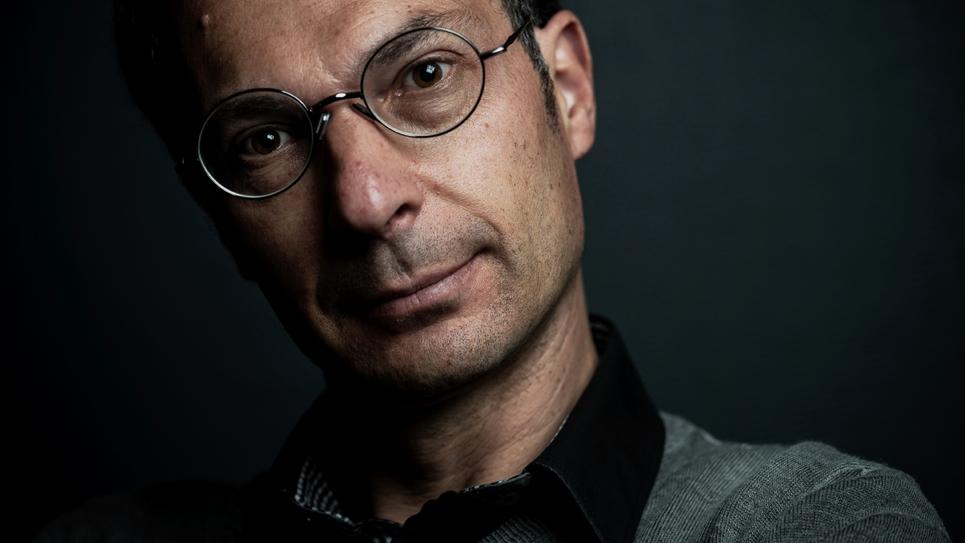 Candidat LFI aux européennes, le philosophe Benoît Schneckenburger pose le 16 mai 2019 à Lyon