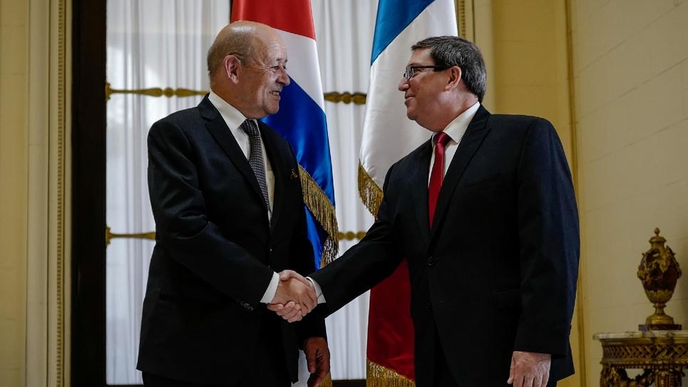 Le minsitre des Affaires étrangères Jean-Yves Le Drian et son homologue cubain Bruno Rodriguez le 28 juillet 2018 à La Havane