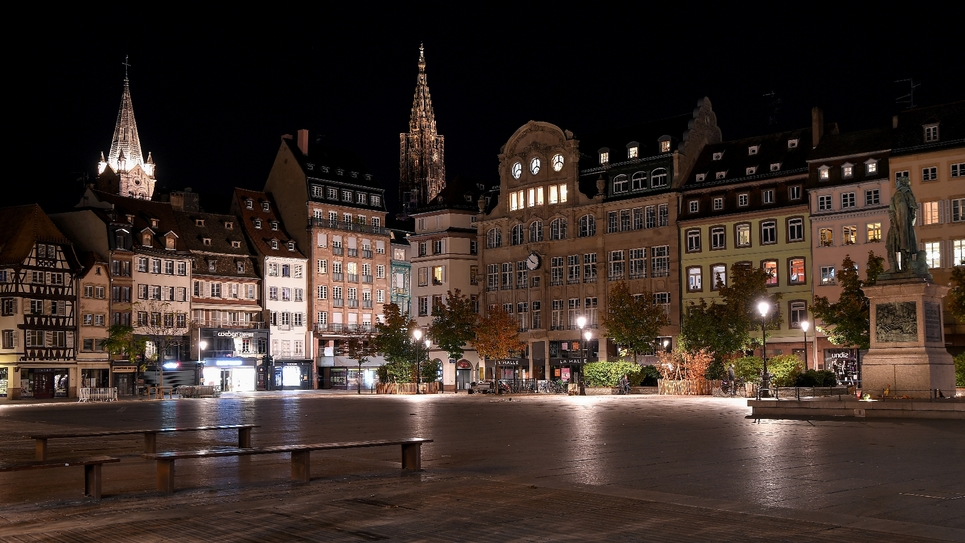 Le couvre feu square Kléber à Strasbourg, le 24 octobre 2020