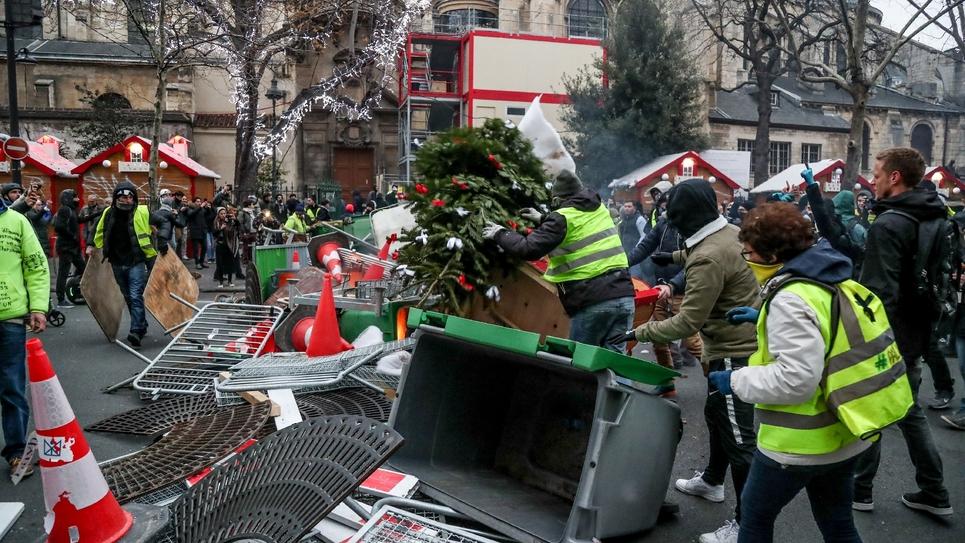"""Manifestation de """"gilets jaunes"""" à Paris, le 5 janvier 2019"""