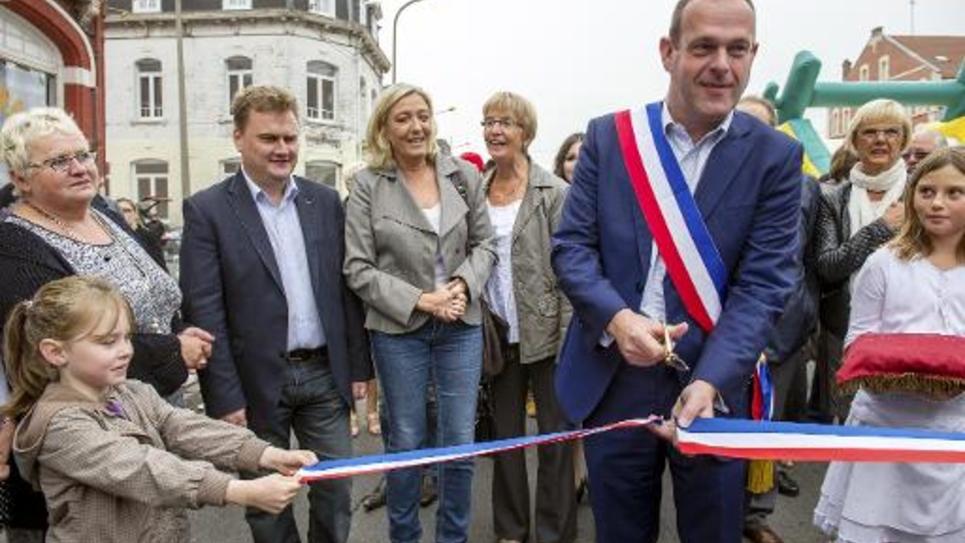Le maire Front national d'Hénin-Beaumont, Steeve Briois, dans sa commune le 14 septembre 2014