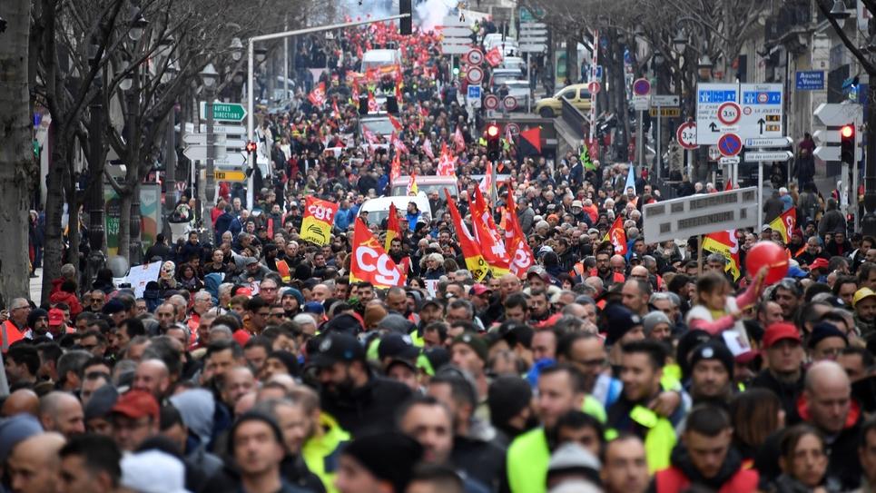 Défilé à Marseille contre la réforme des retraites au 51è jour de mobilisation, le 24 janvier 2020