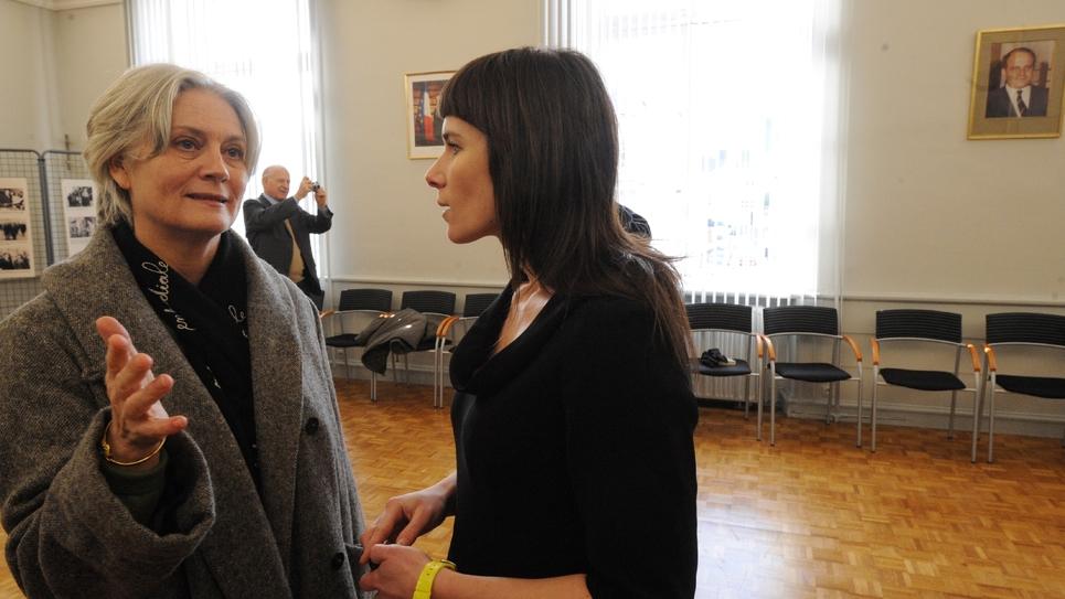Penelope Fillon en compagnie de l'ex-chef de cabinet de François Fillon Vanessa Charbonneau, à  Sablé-sur-Sarthe le 10 décembre
