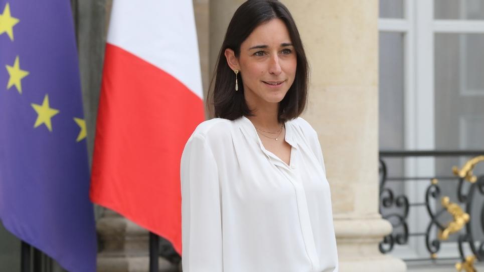 La secrétaire d'État auprès du ministre de la Transition écologique et solidaire, Brune Poirson, quitte l'Élysée à Paris, le 17 octobre 2018